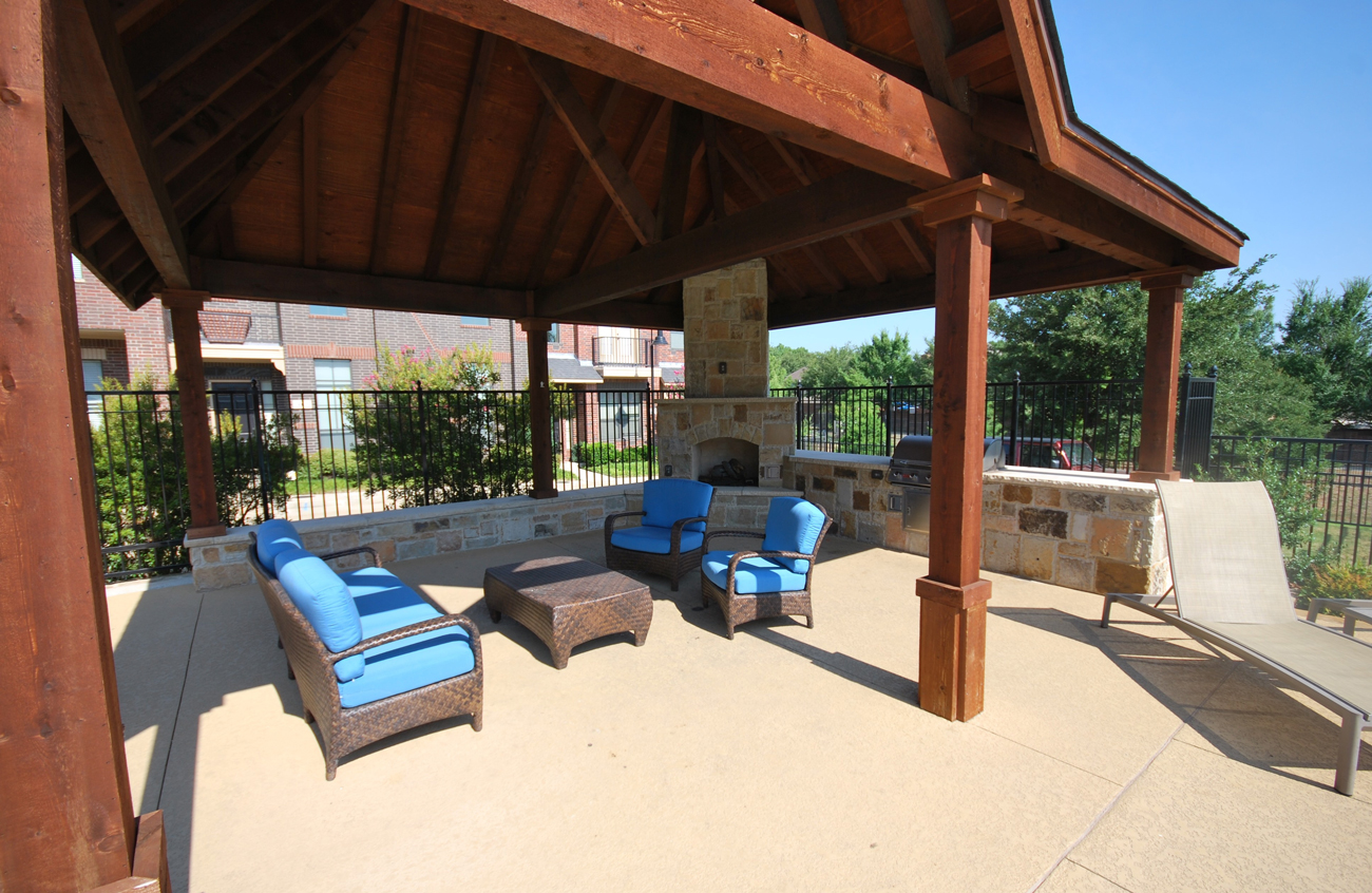 Outdoor Lounge at The District at Highland Village Apartments in Highland Village, TX