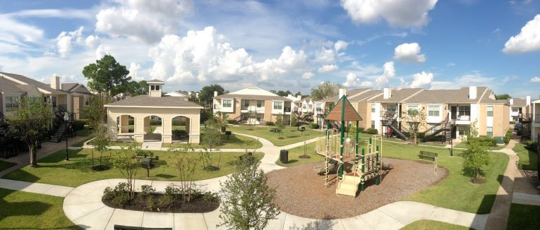 Overhead panoramic view of Holly View Apartments in Houston, TX