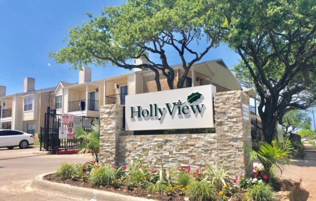 HollyView Apartments