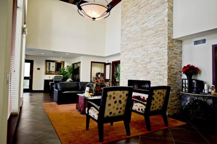 Lounge at the Holly View Apartments in Houston, TX