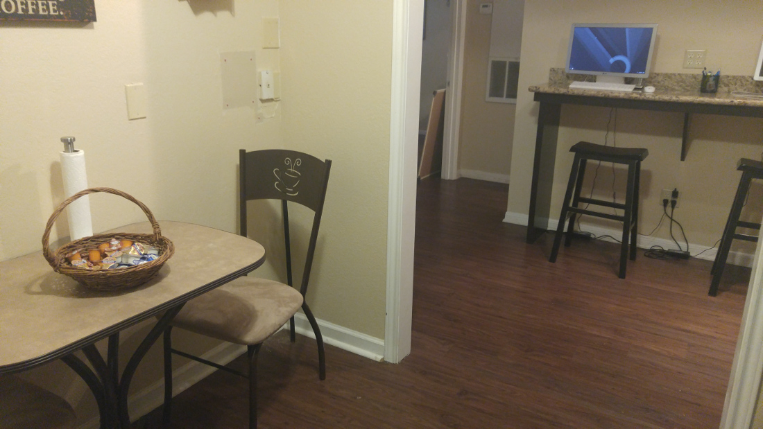 Dining Area at The Hunters Point Apartments in College Station, TX