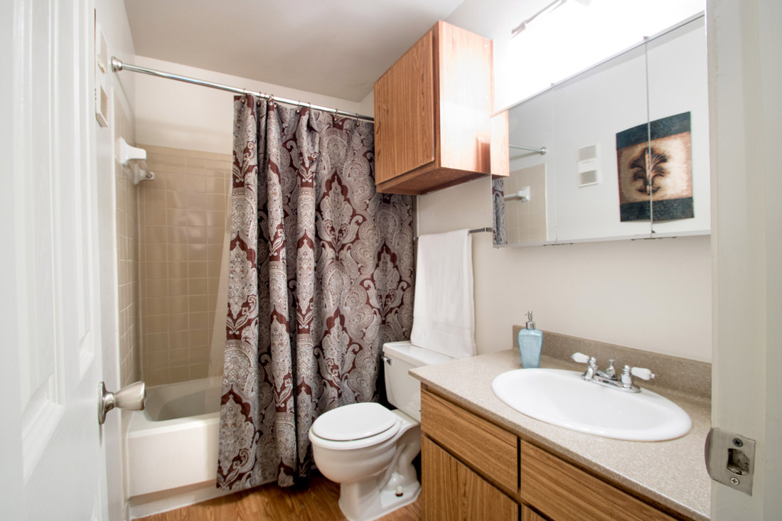 Spacious Bathrooms at Indian Run Apartments in Abilene, TX