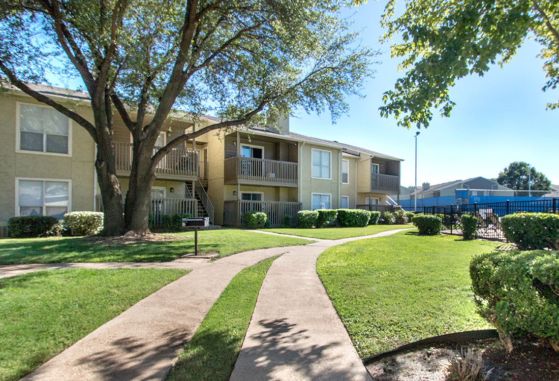 Walking Paths at Indian Run Apartments in Abilene, TX