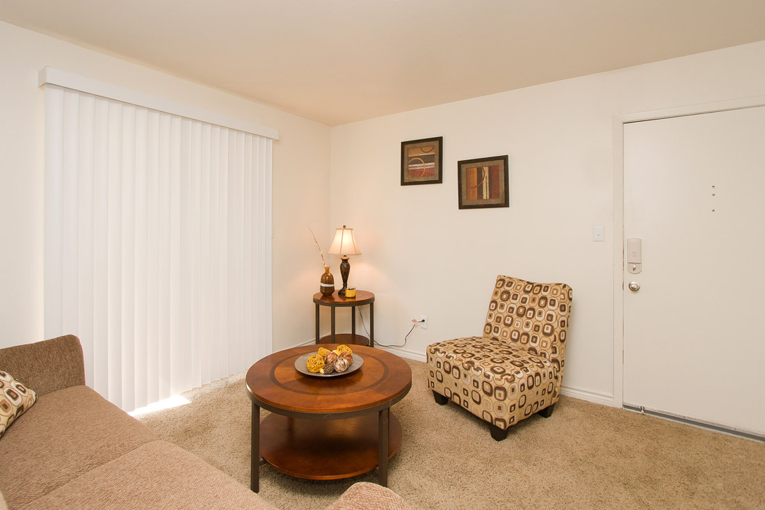 Plush Carpeting at Indian Run Apartments in Abilene, TX