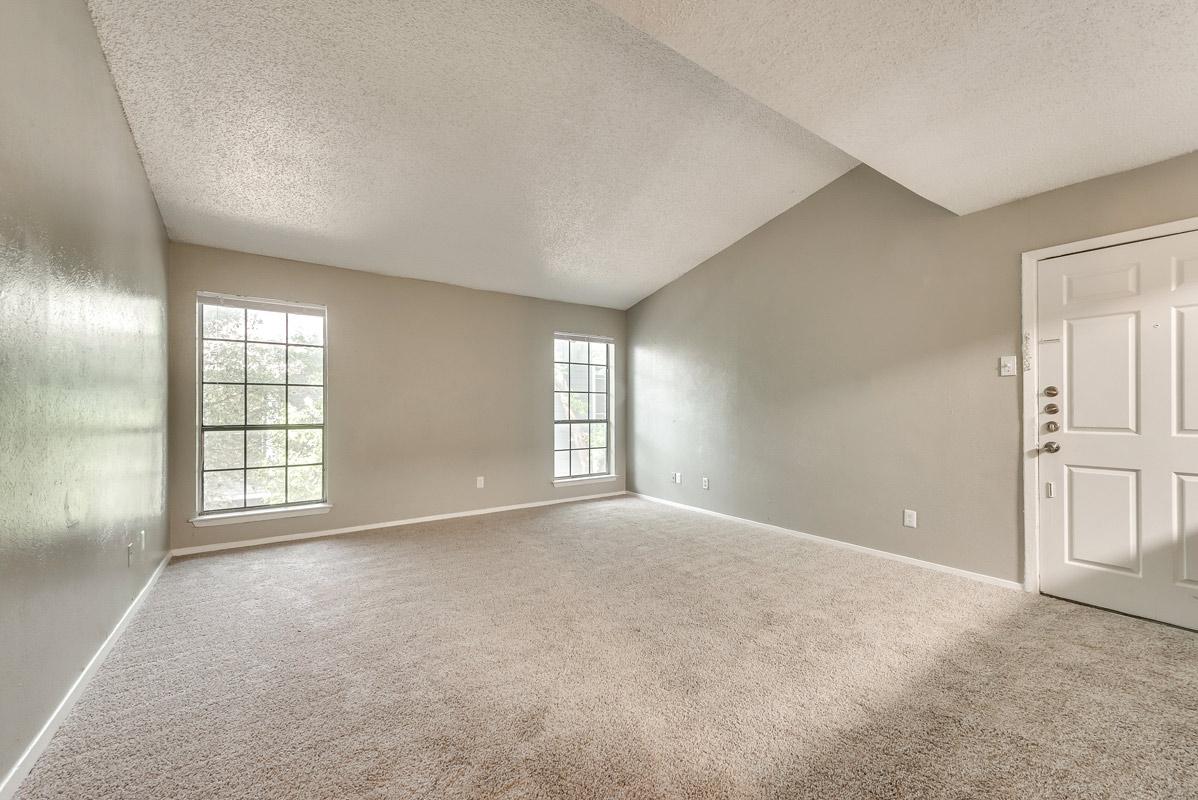 Open Floor Plans at Indigo Apartments in Dallas, TX