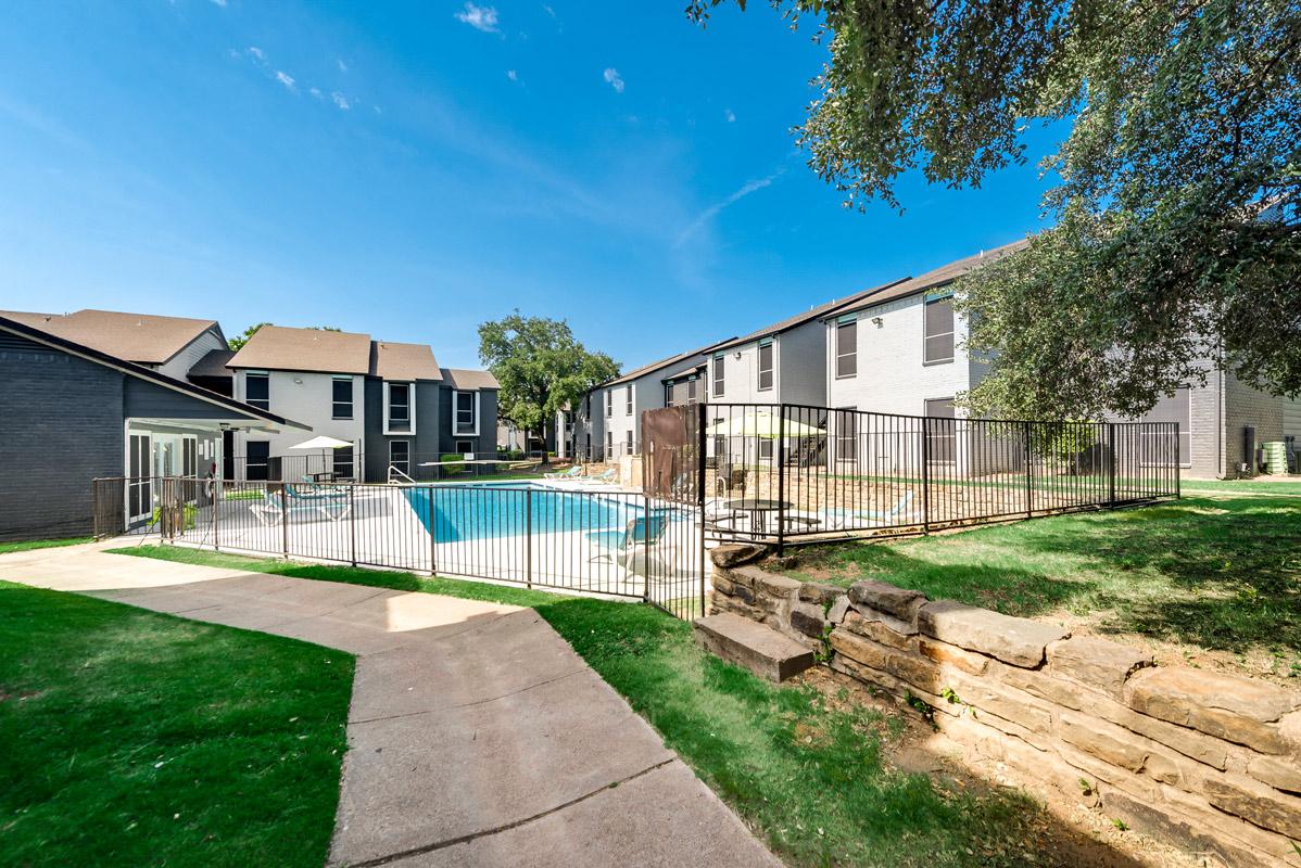Dallas Apartments at Indigo Apartments in Dallas, TX