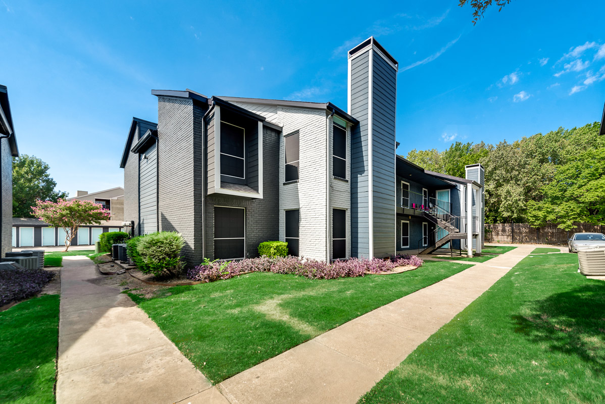 Spacious Apartment Homes at Indigo Apartments in Dallas, TX