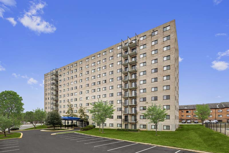 Iverson Towers Apartments in Temple Hills, MD