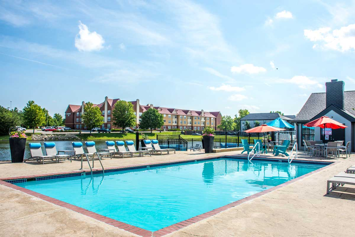 Sparkling Swimming Pool at Jefferson on the Lake Apartments in Olathe, KS