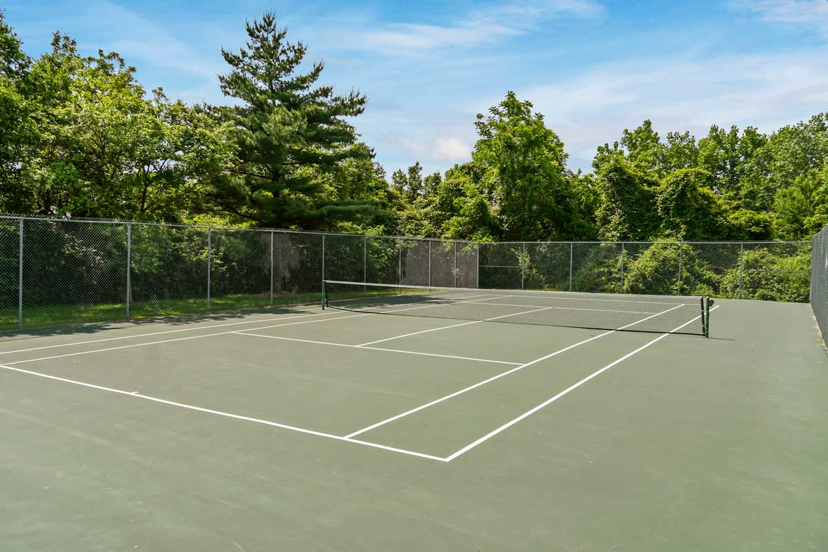 Tennis court 5 minutes from Kaywood Gardens Apartments in Mount Rainier, MD