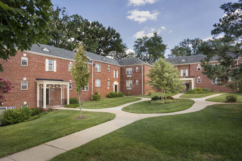 Beautiful courtyards at Kaywood Gardens Apartments in Mount Rainier, MD