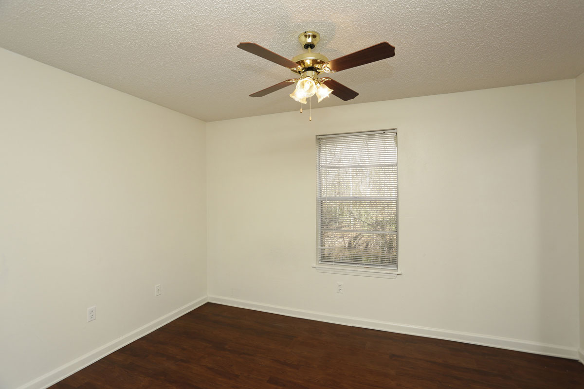 Studio Apartment at Kenilworth Ridge Apartments in Baton Rouge, Louisiana