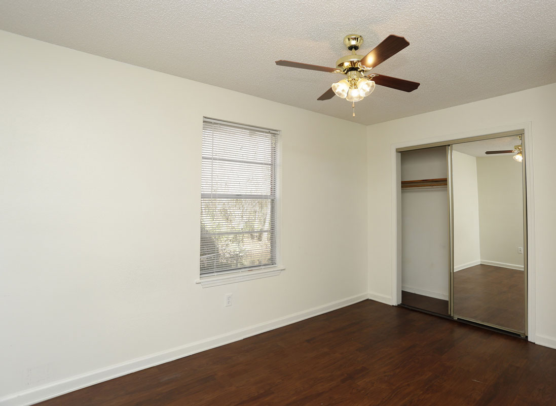 Ample Closet Space at Kenilworth Ridge Apartments in Baton Rouge, Louisiana