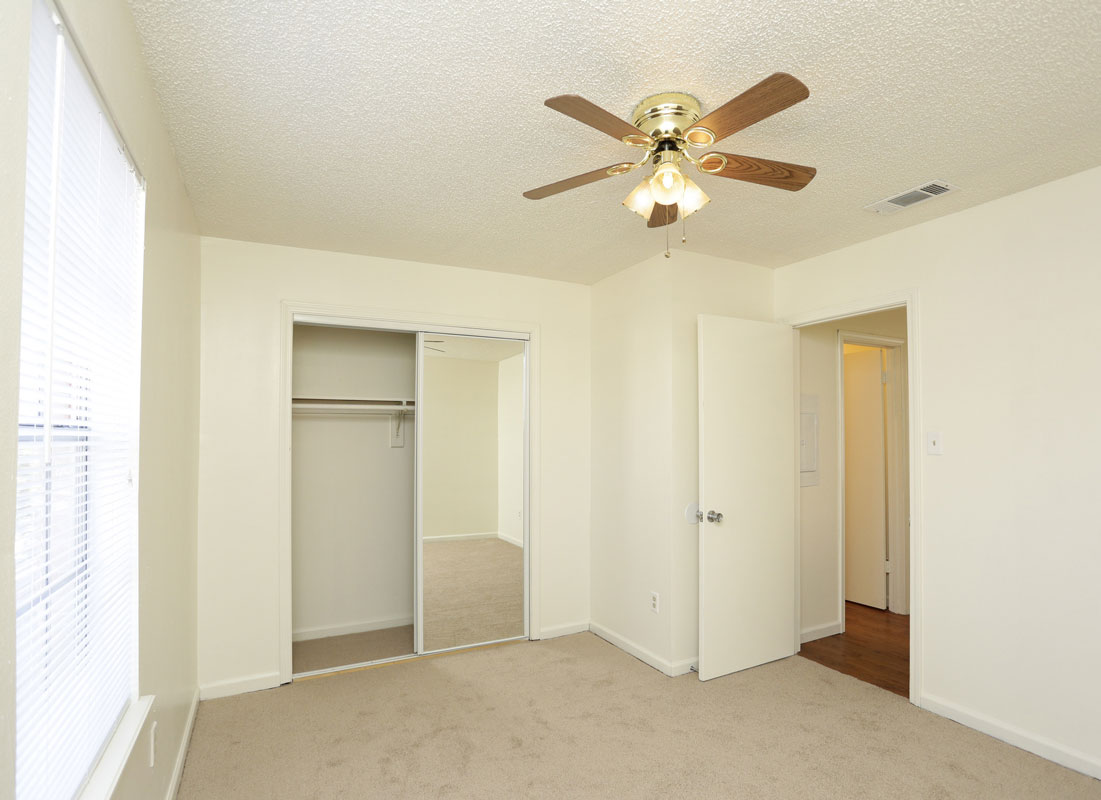 One Bedroom Apartments at Kenilworth Ridge Apartments in Baton Rouge, Louisiana