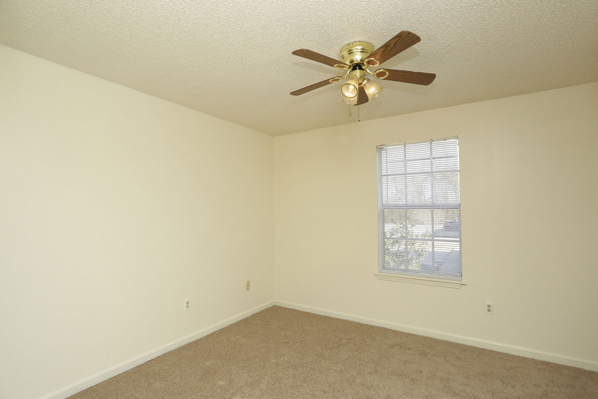Baton Rouge Apartment Rentals at Kenilworth Ridge Apartments in Baton Rouge, Louisiana
