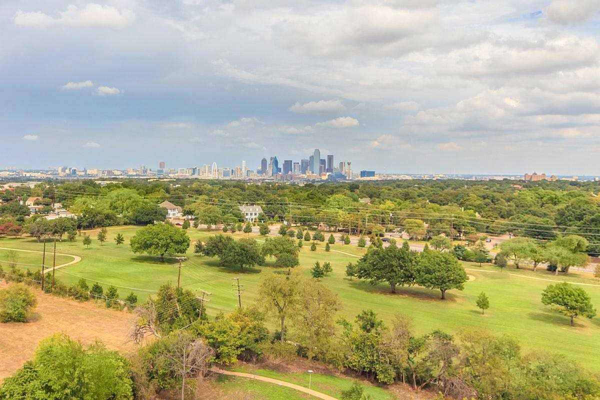 Downtown Views at View at Kessler Park Apartments in Dallas, TX