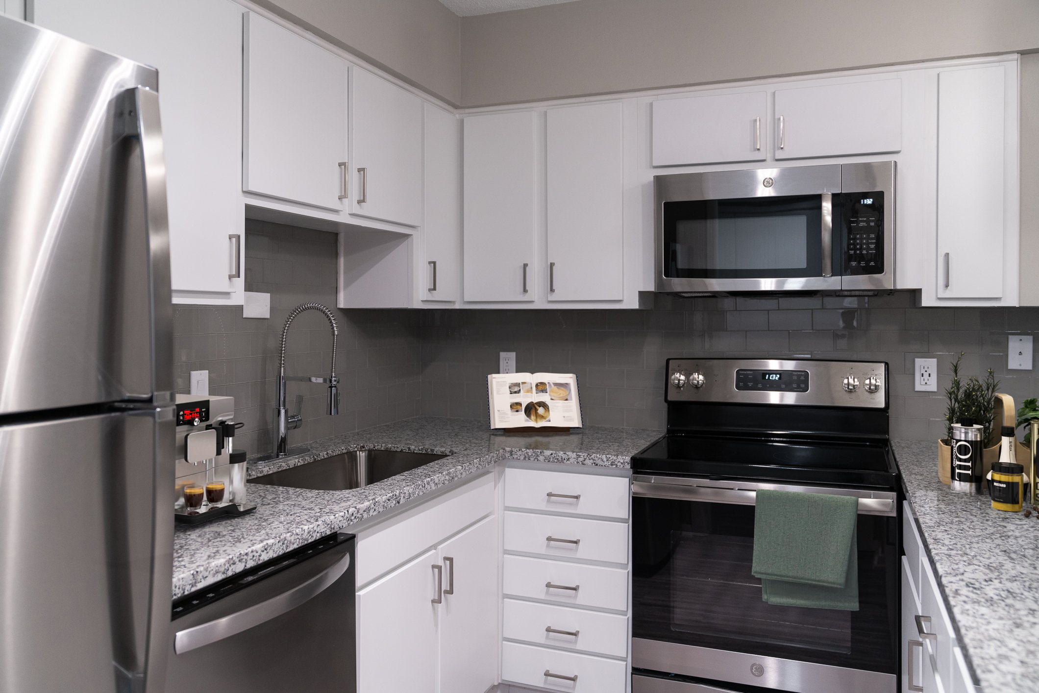 Upgraded Kitchen Finishes at View at Kessler Park Apartments in Dallas, TX