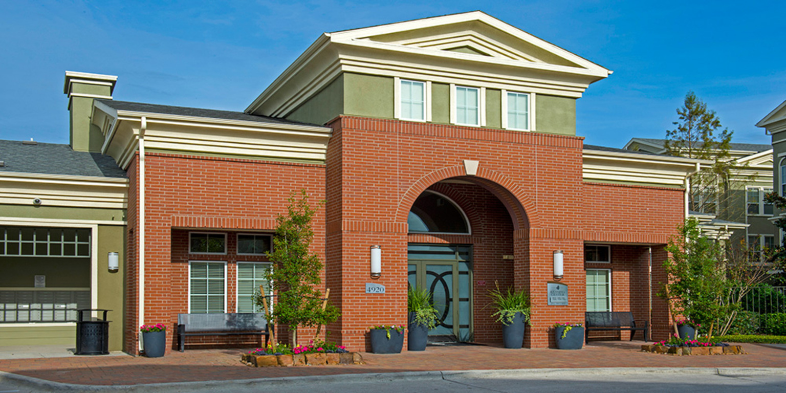 Luxury Community at King's Cove Apartments in Kingwood, Texas