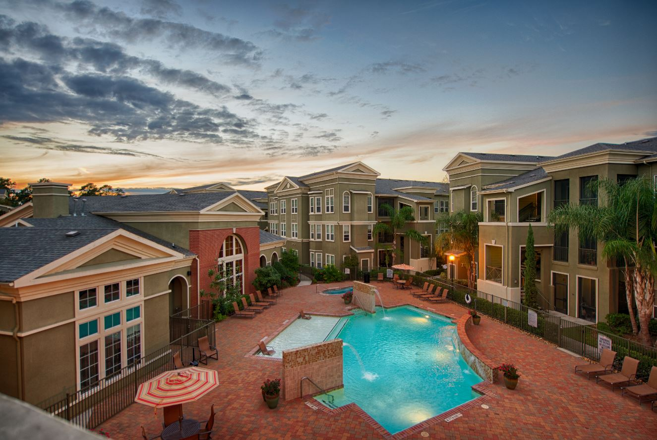 Premium Amenities at King's Cove Apartments in Kingwood, Texas
