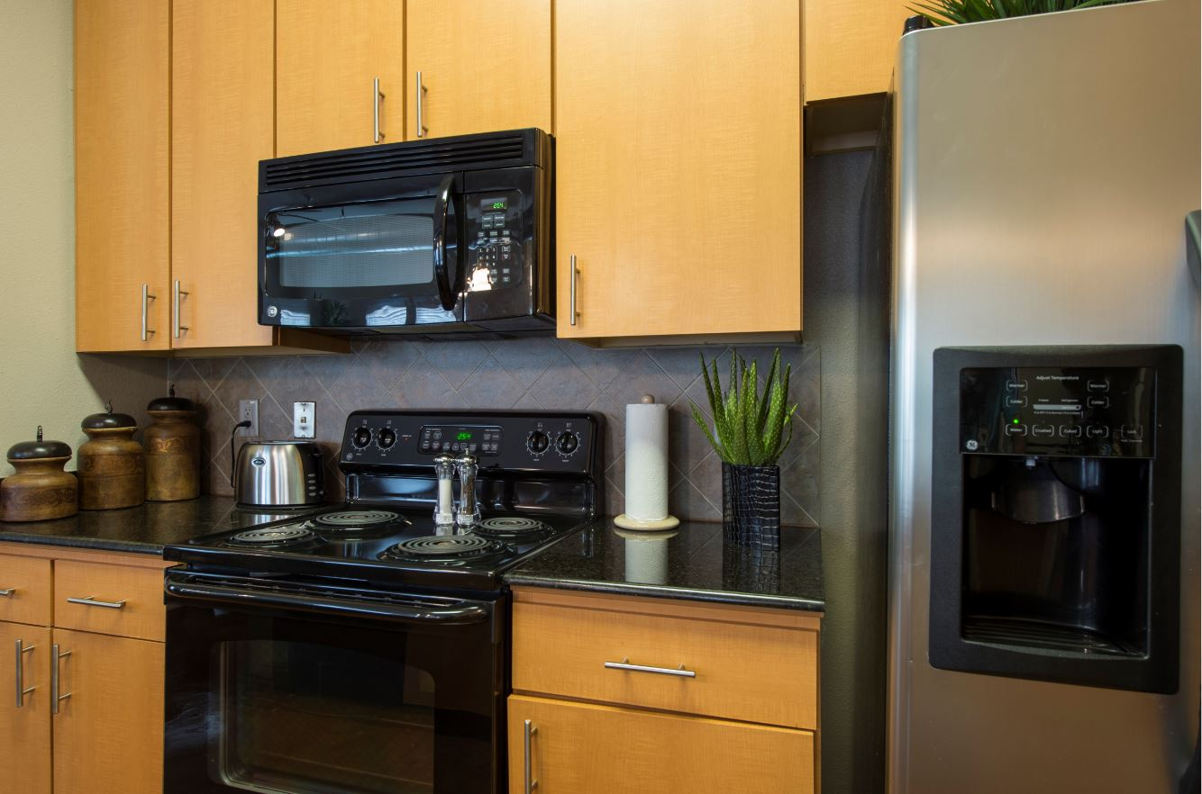 Modern Appliances at King's Cove Apartments in Kingwood, Texas