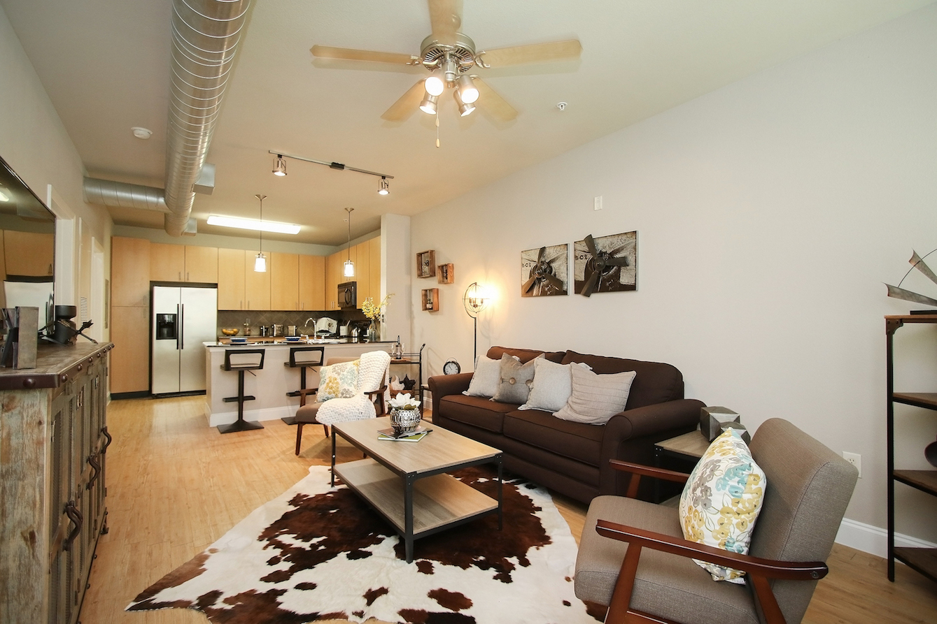 Open Floor Plan at King's Cove Apartments in Kingwood, Texas