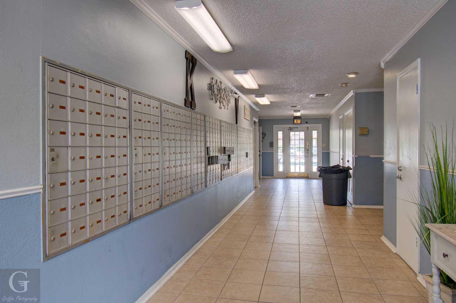Hallway at Kingston Village Apartments in Shreveport, LA