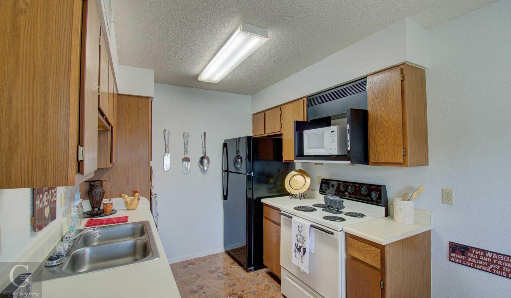 Kitchen at Kingston Village Apartments in Shreveport, LA