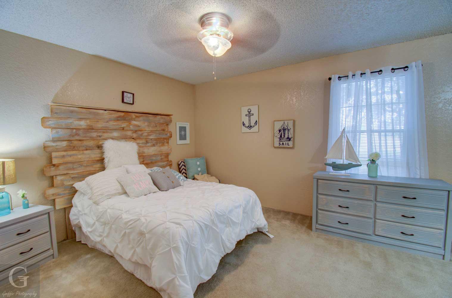 Bedroom at Kingston Village Apartments in Shreveport, LA+