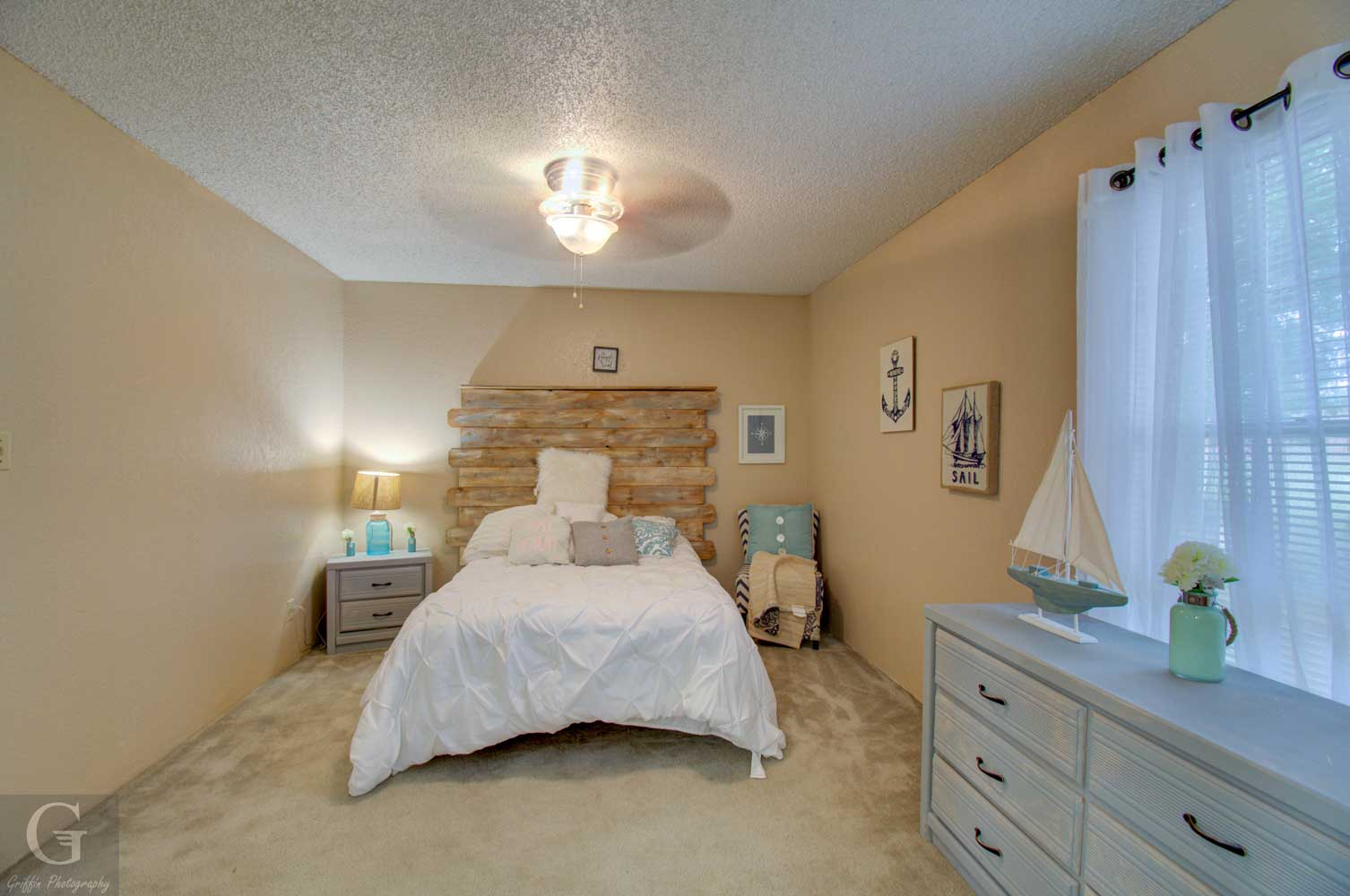 Two Bedroom Apartments at Kingston Village Apartments in Shreveport, LA
