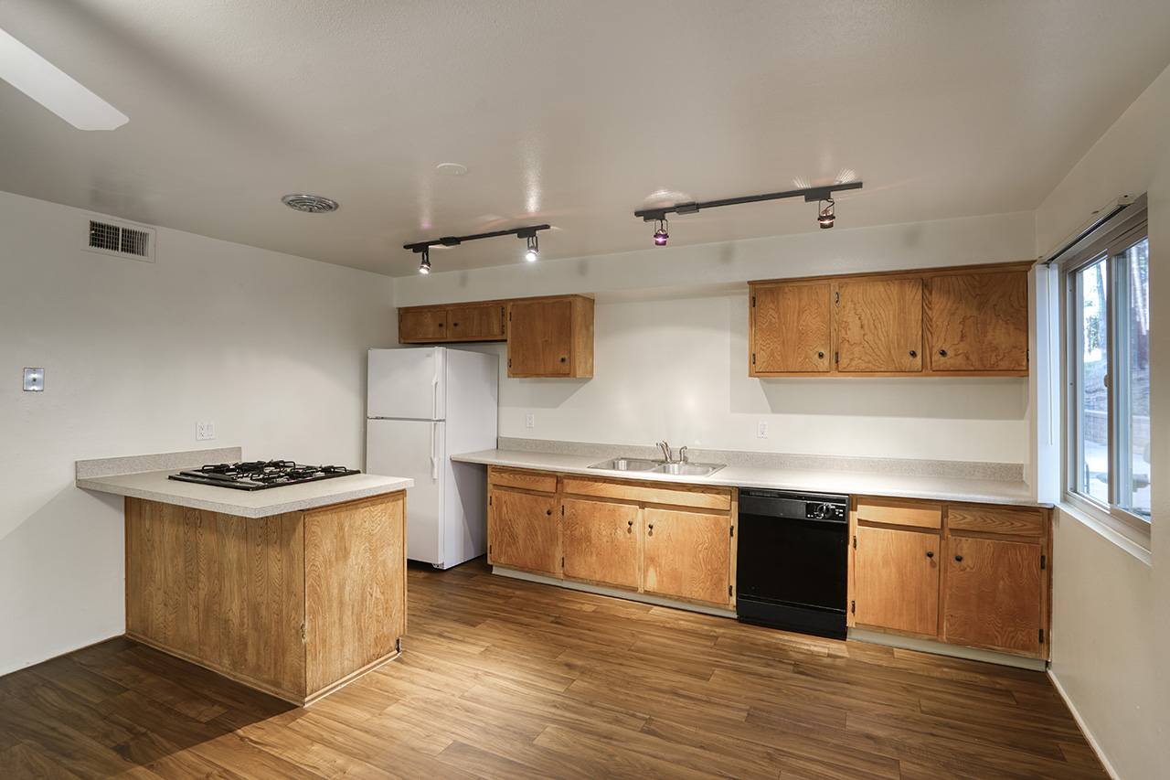 Kitchen at Blk. Mtn. Lofts Apartments in Flagstaff, Arizona