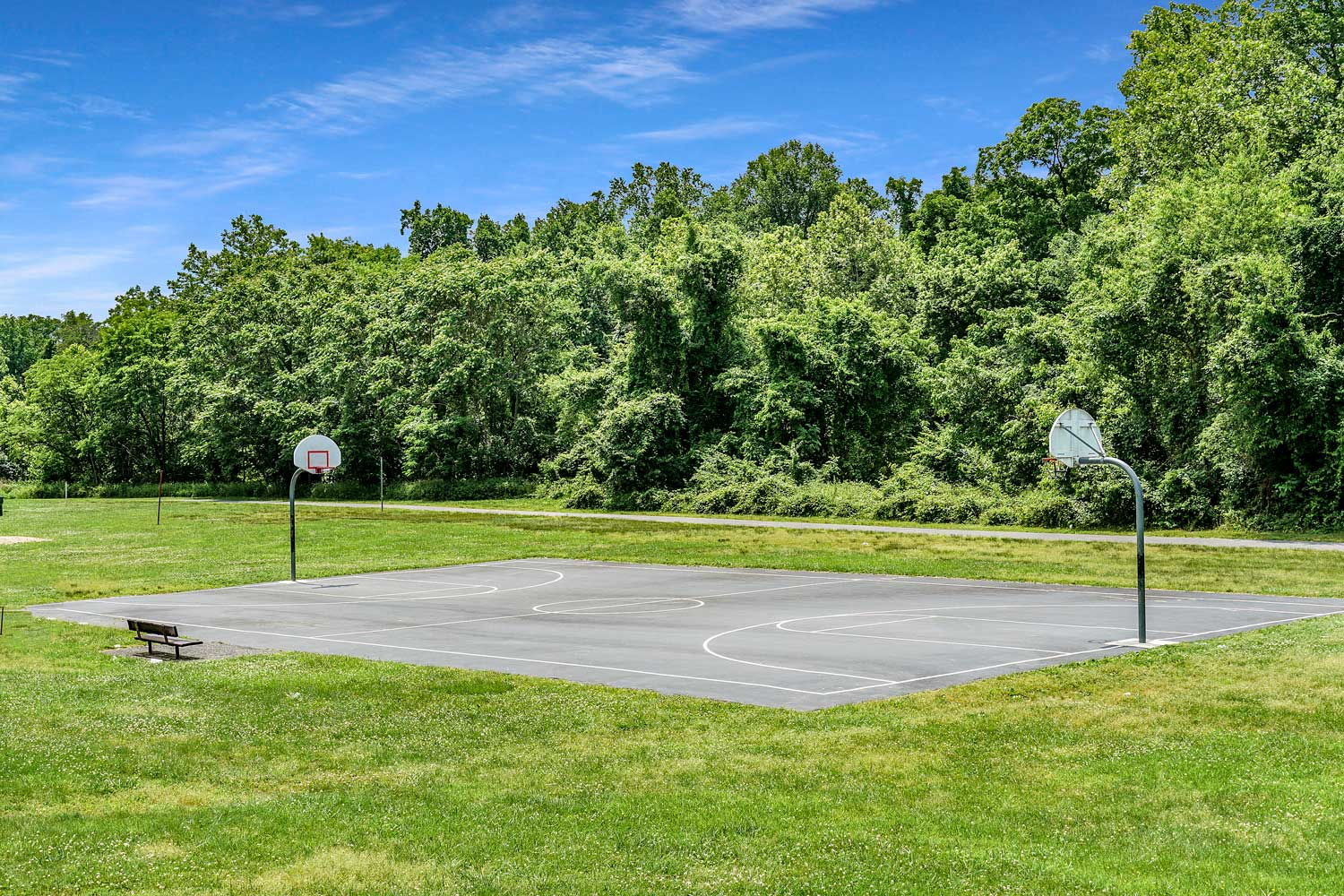 Basketball court within walking distance from Kirkwood Apartments in Hyattsville, MD