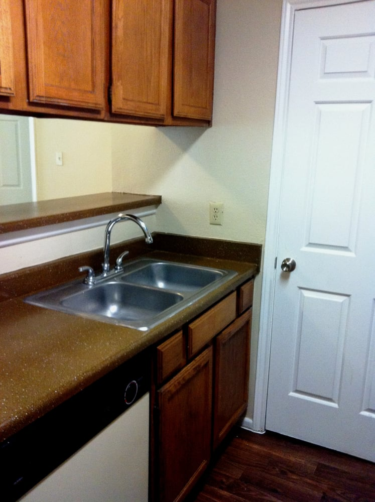 Maintenance-Free Living at Lakeland Apartments in Lewisville, Texas