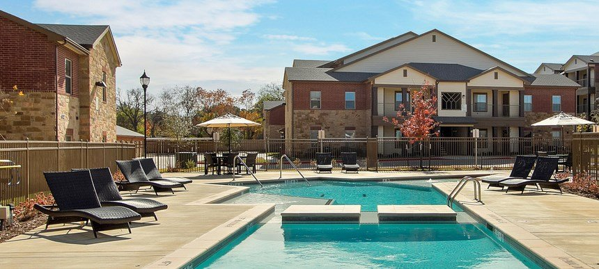 Sparkling Pool at The Lakeshore Apartment Homes in Lake Dallas, TX