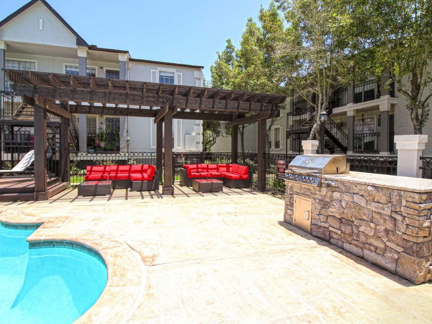 Outdoor Grill at La Maison at Lake Cove Apartments in Seabrook, Texas