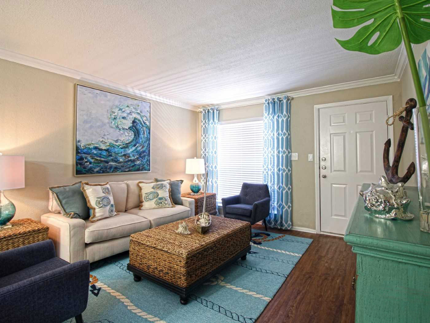 Spacious Living Area at La Maison at Lake Cove Apartments in Seabrook, Texas
