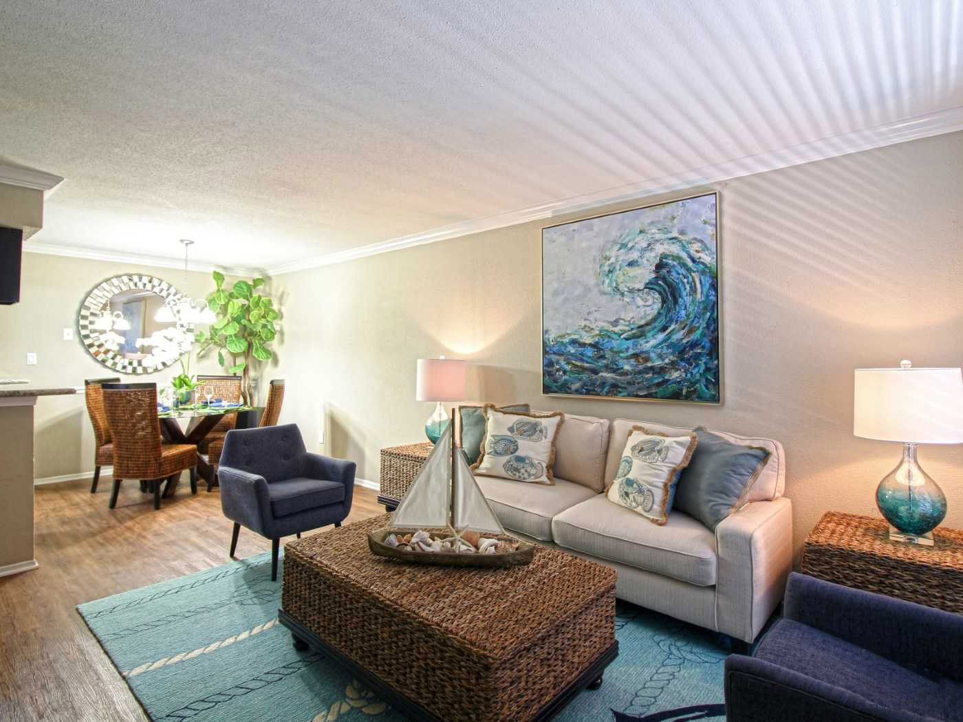 Apartments for Lease in Seabrook at La Maison at Lake Cove Apartments in Seabrook, Texas
