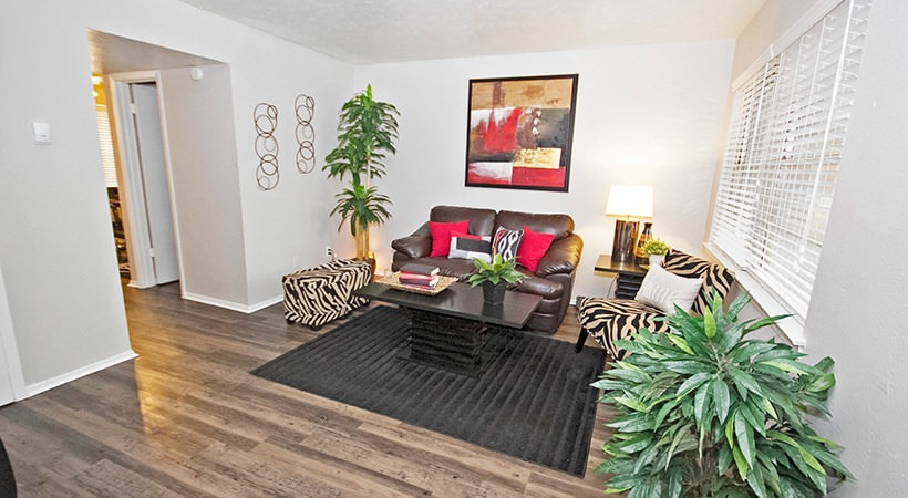3-Bedroom Apartments at Las Casitas Apartments in DeSoto, Texas