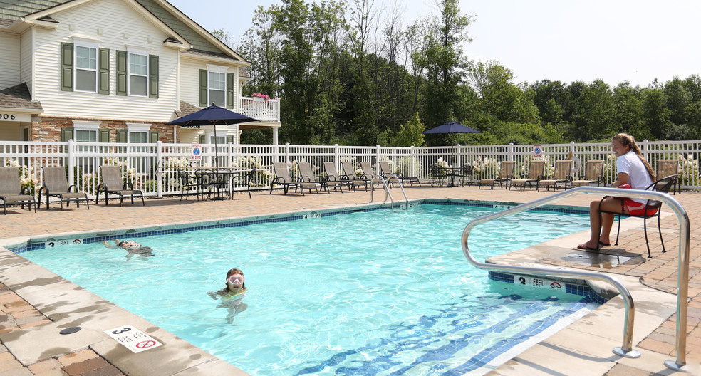 Sparkling Swimming Pool at Lehigh Park Apartments in Henrietta, NY