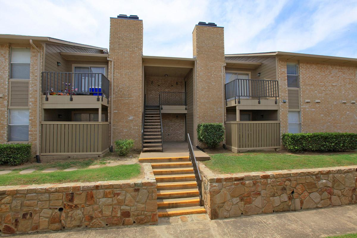 Grand Prairie Apartment Rentals at The Lexington Apartments in Grand Prairie, TX
