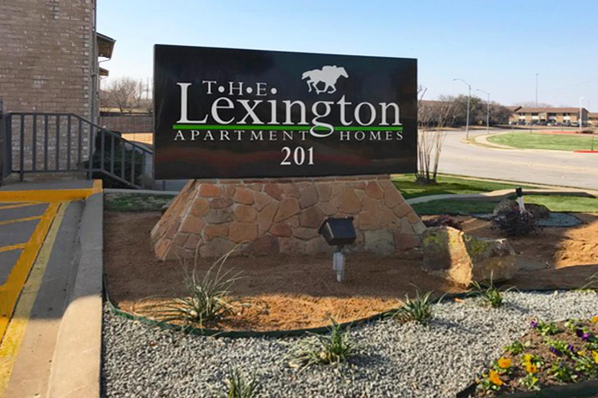 Apartments for Rent in Grand Prairie at The Lexington Apartments in Grand Prairie, TX