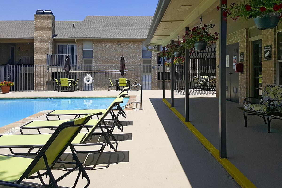 Poolside Lounge at The Lexington Apartments in Grand Prairie, TX