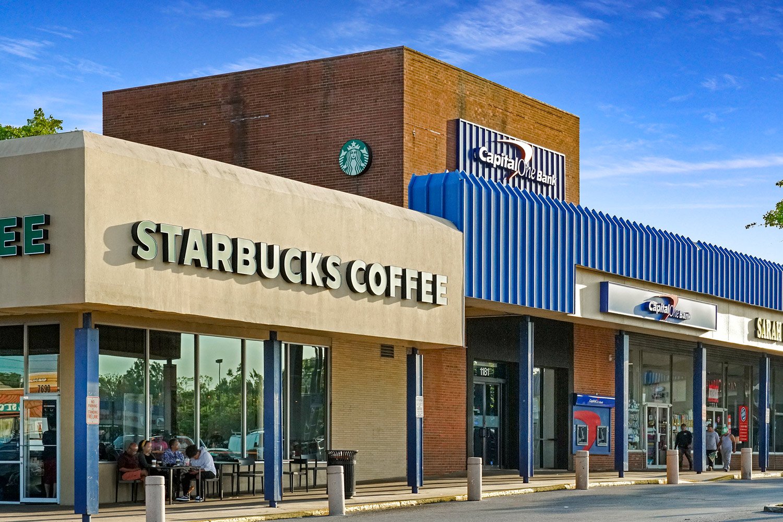 Walking distance to Starbucks in Takoma Park, MD