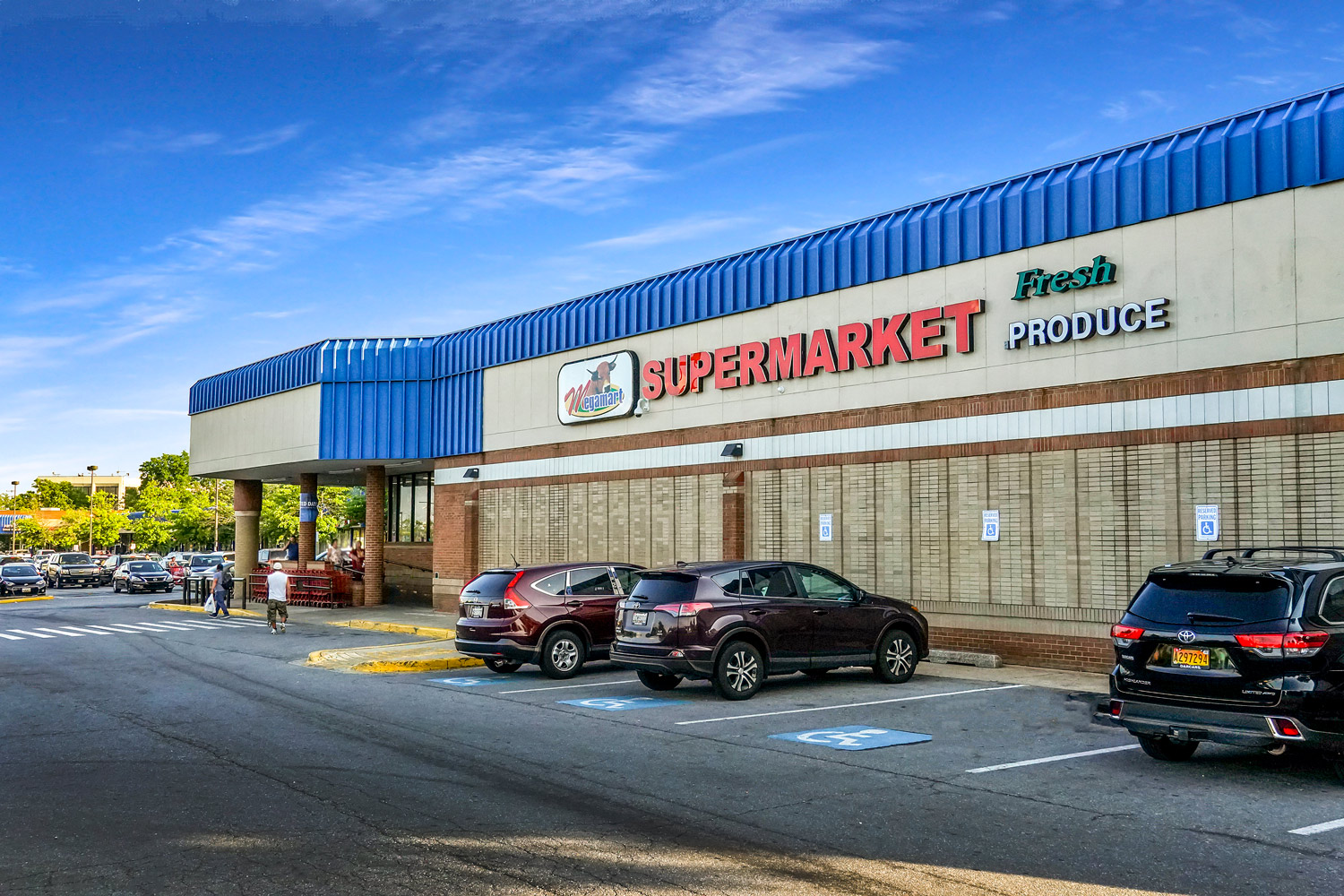 Walking distance to Megamart grocery store  in Langley Park, MD
