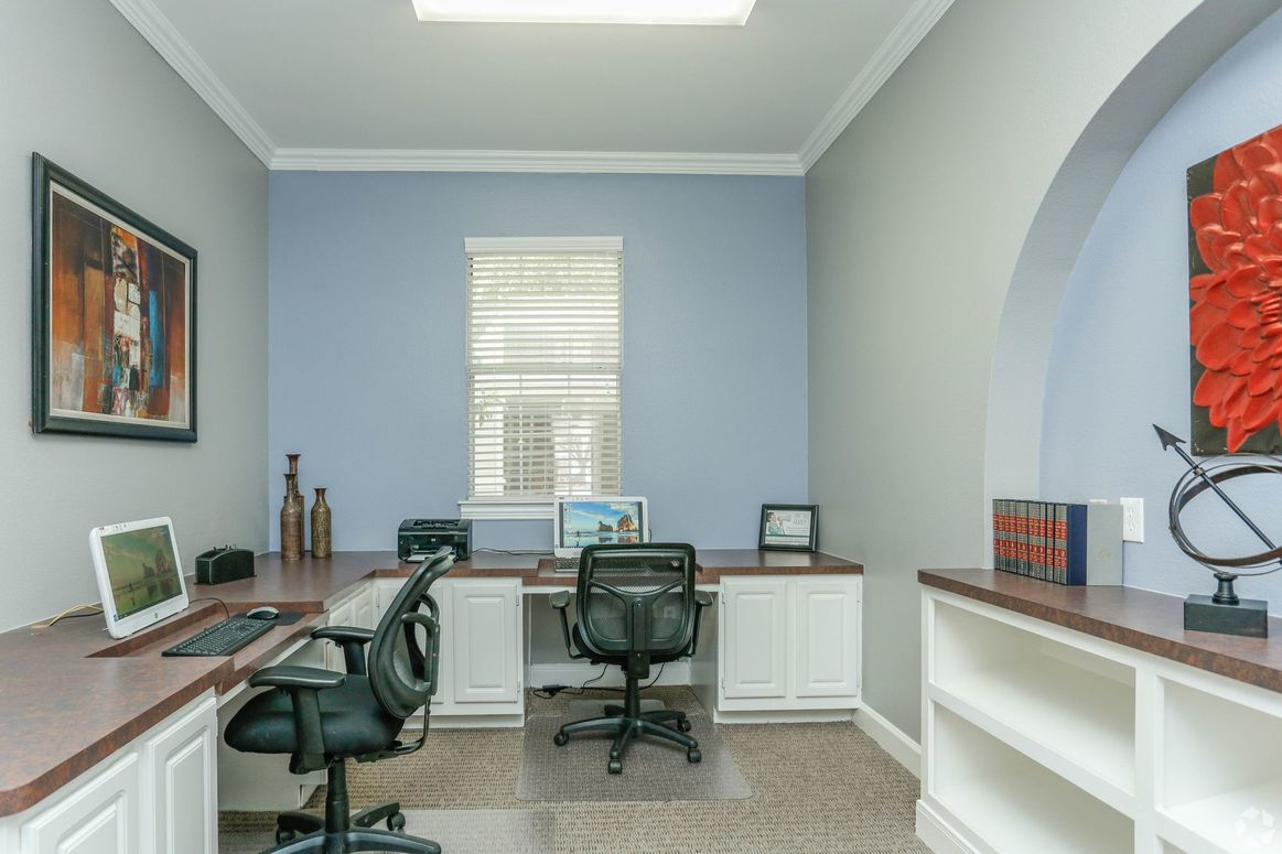Business Center at Limestone Apartments in Houston, Texas
