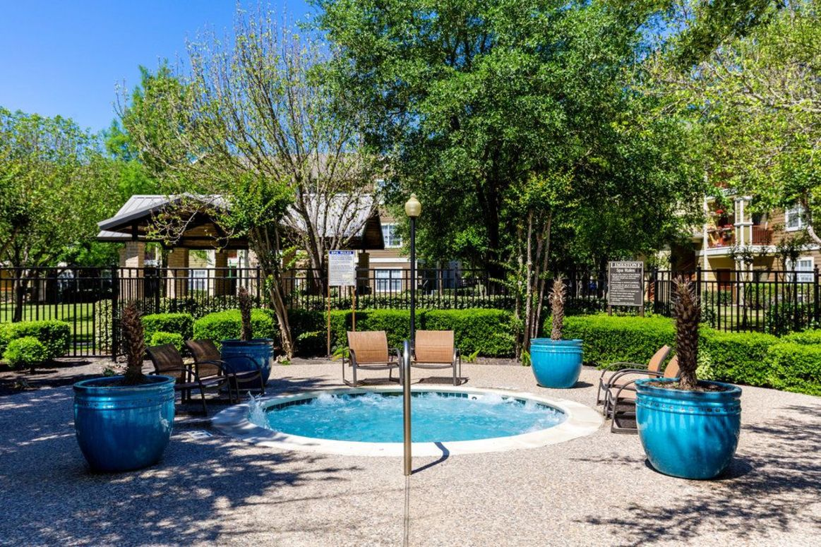 Poolside Lounge Area at Limestone Apartments in Houston, Texas