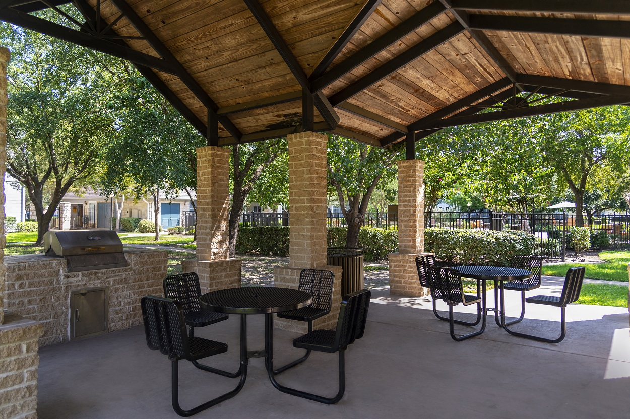 Pergola with Barbecue Grills at The Link Apartments in Houston, Texas