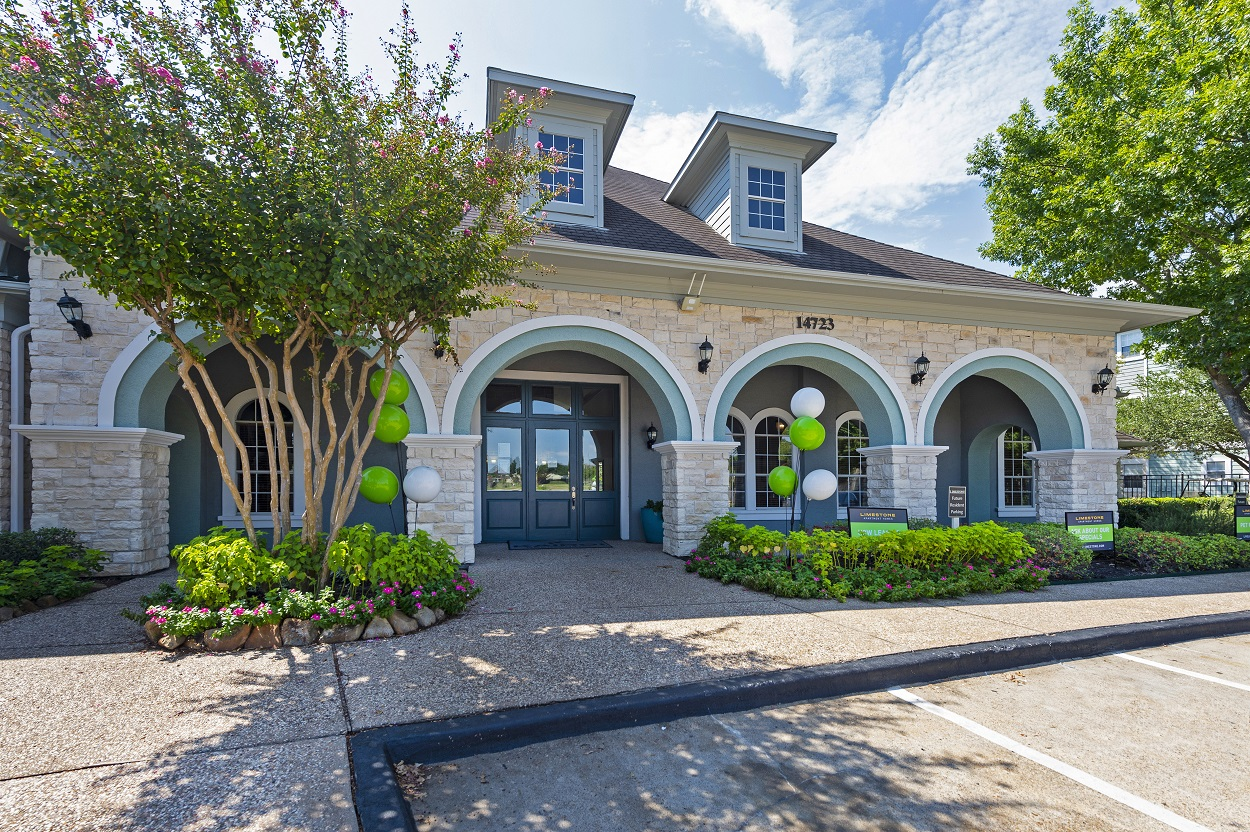 Leasing Center with Effortless Parking at The Link Apartments in Houston, Texas