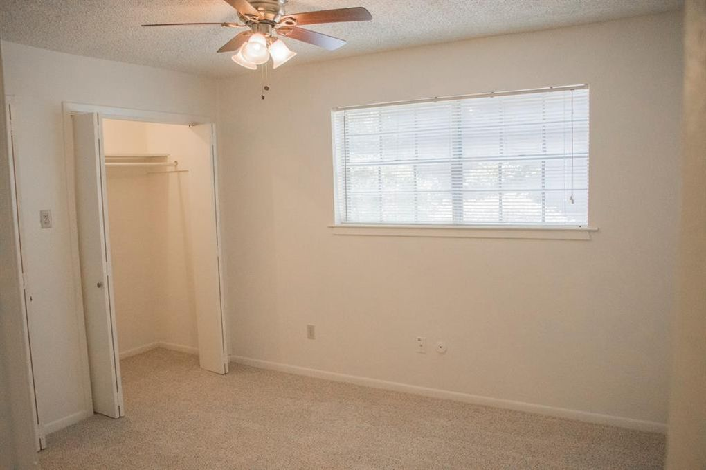 Ceiling Fan in Bedroom at Live Oak Apartments in Huntsville, Texas