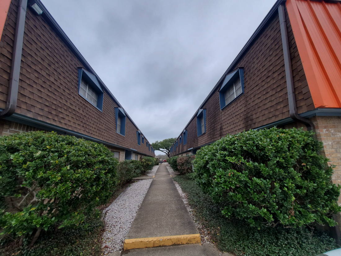 Live Oak Apartments