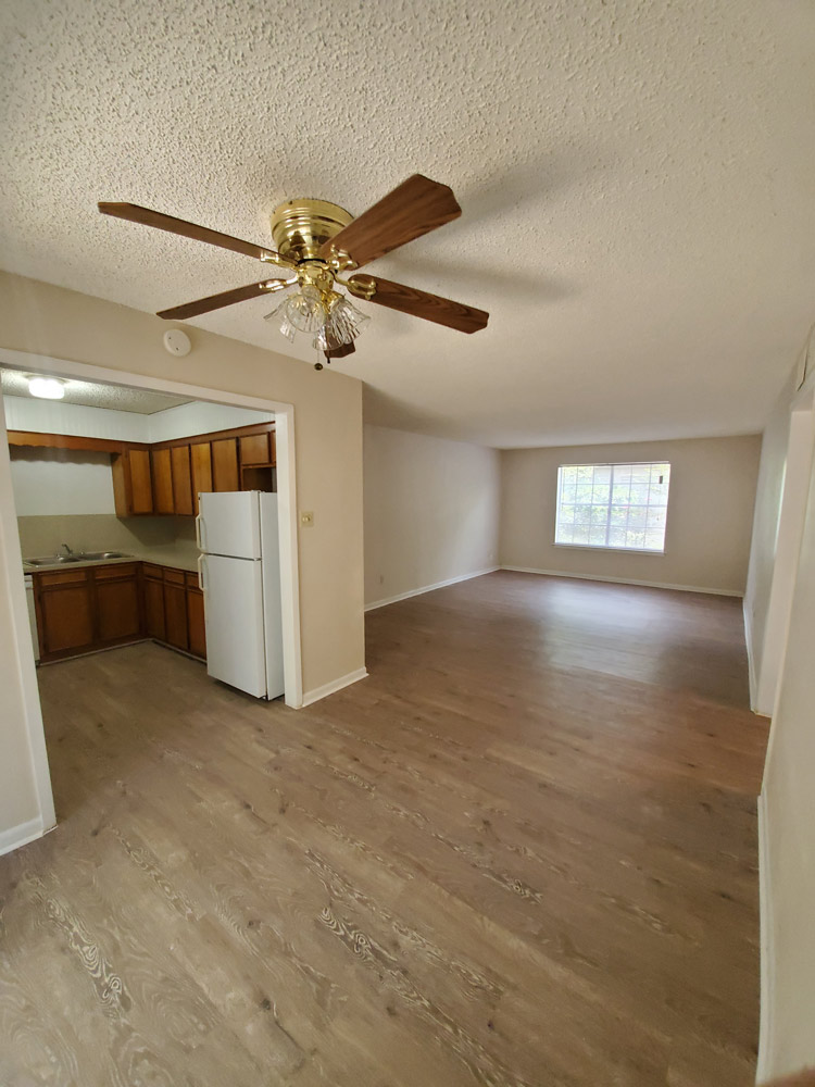 Open Floor Plan at Live Oak Apartments in Huntsville, Texas